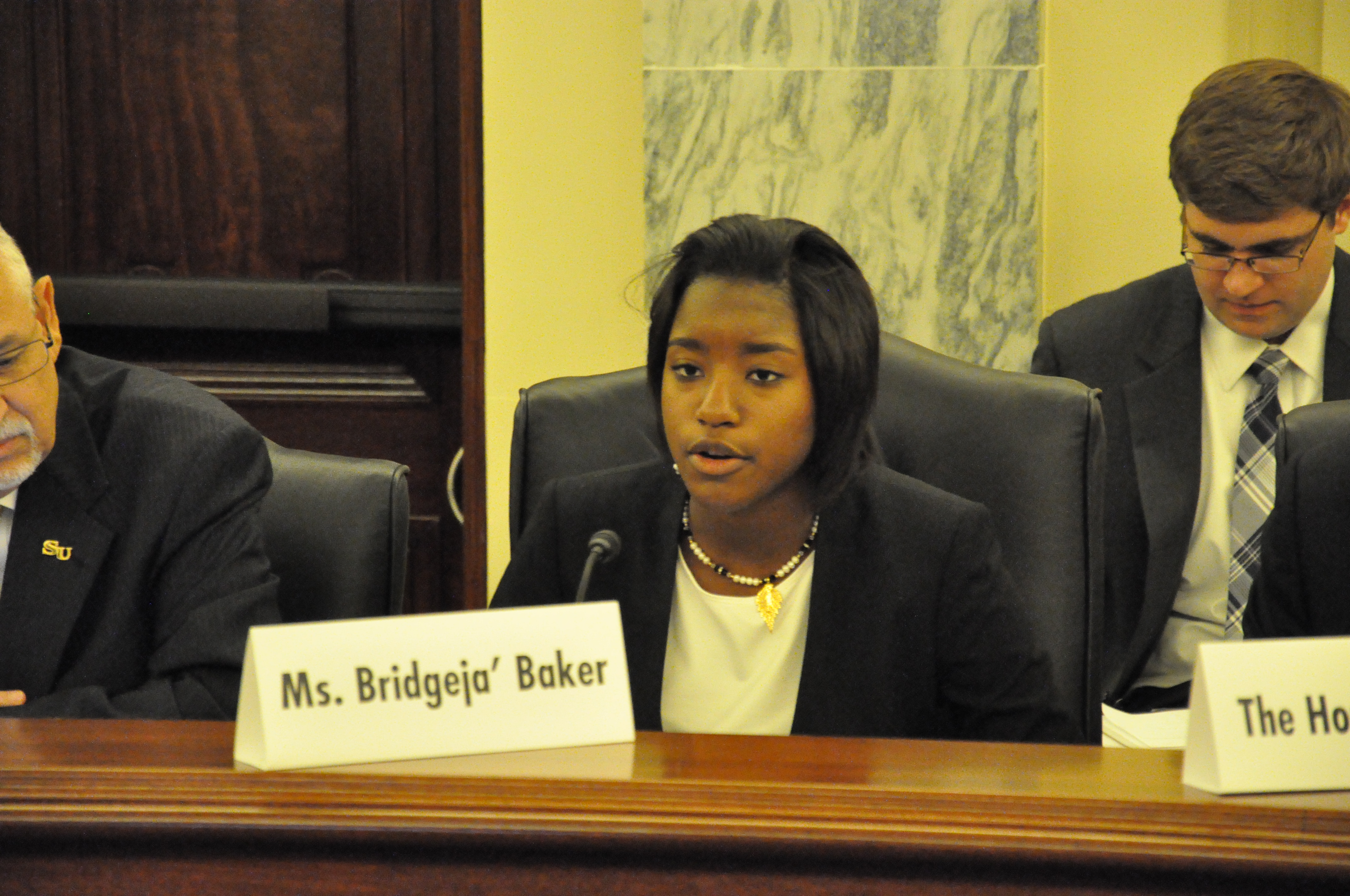 bridgeja-speak-to-other-panelist-about-programs-that-helped-her-business.jpg